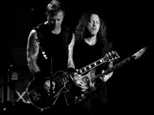 دانلود آهنگ Nothing Else Matters از Metallica (متالیکا)